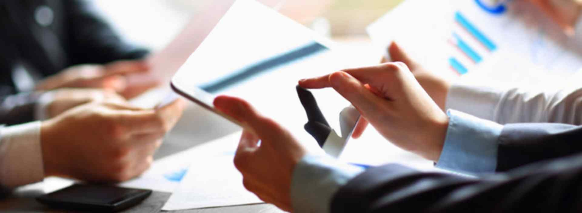 Financial planning advisors using a tablet