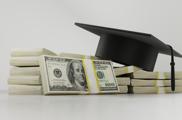 The CARES Act Student Loan Relief Options: Who Benefits and How?